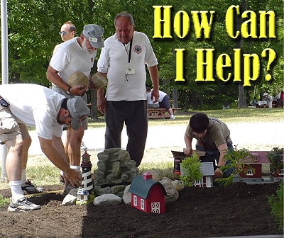 How Can I help? This photo shows Cleveland-area volunteers helping at a garden railroad demonstration in July, 1007.  Click to learn more about that event.